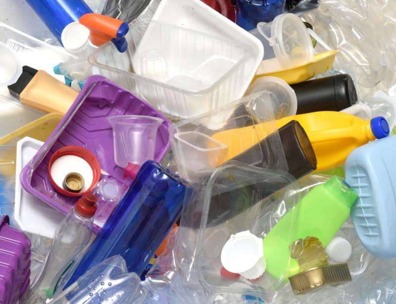 Plastiques  la délicate question du « cycle de vie » des emballages