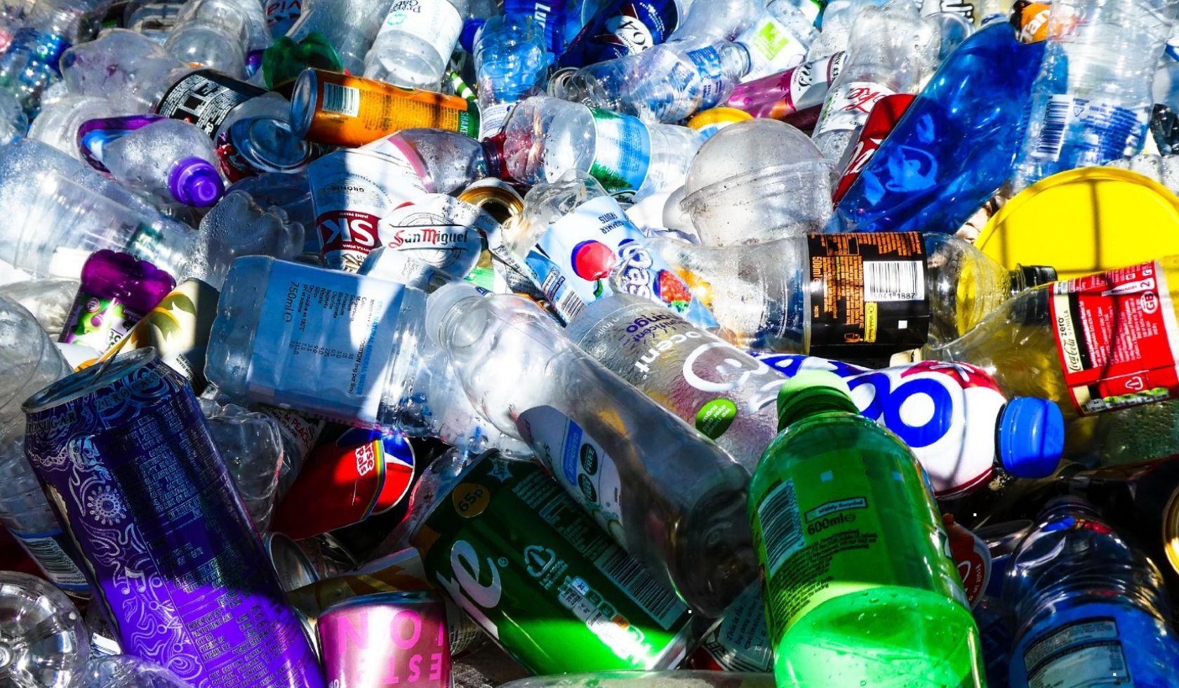 Comment les industriels innovent pour réduire leur production de plastique