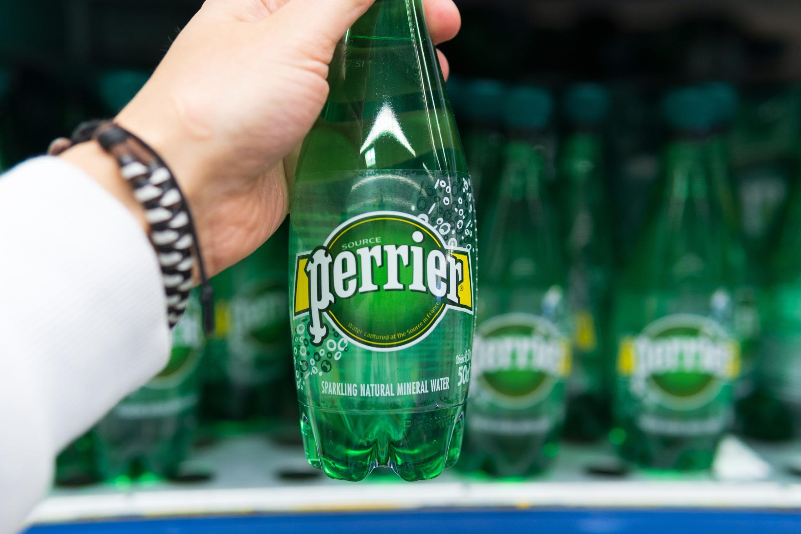 Des bouteilles plastiques de L'Oréal et Nestlé produites via le recyclage enzymatique de Carbios